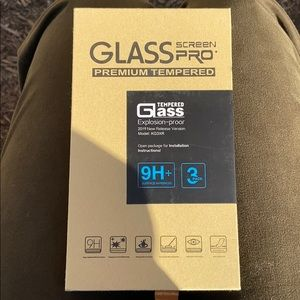 3 glass iPhone 11 screen protectors